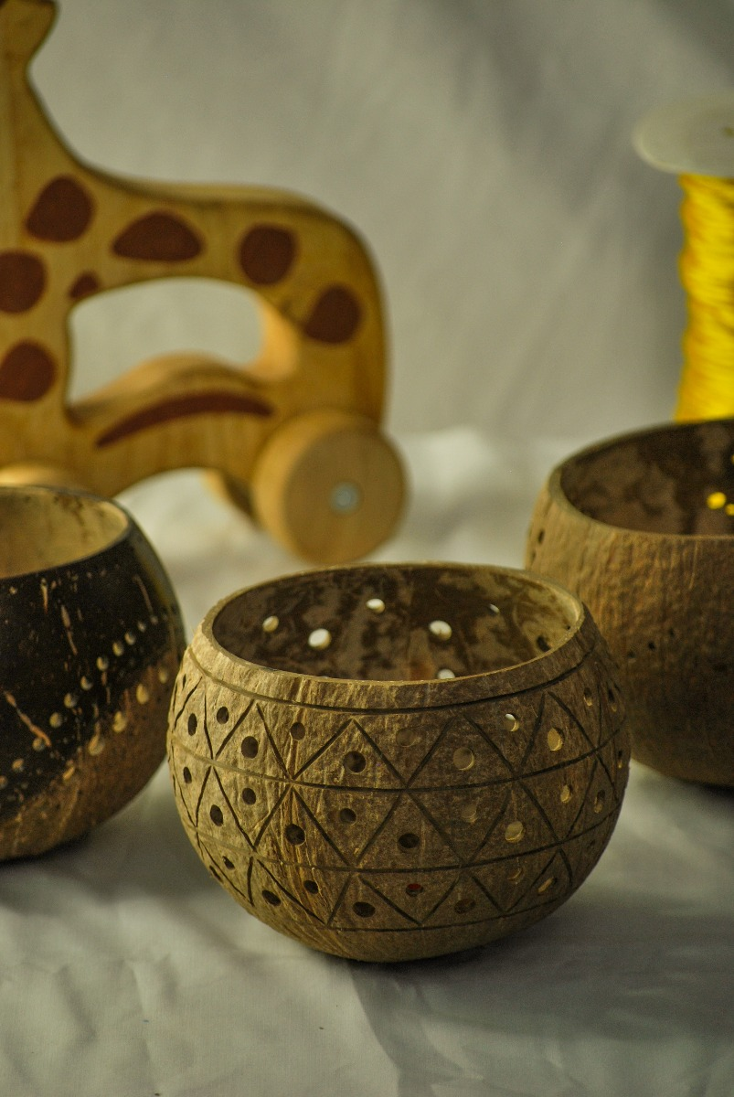 Coco Candle holder- Golden Pineapple
